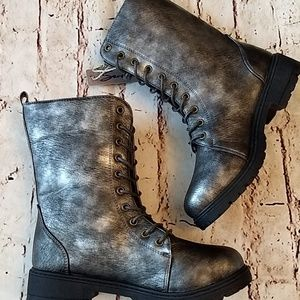 NWT Moto Lace Up Boots sz 8